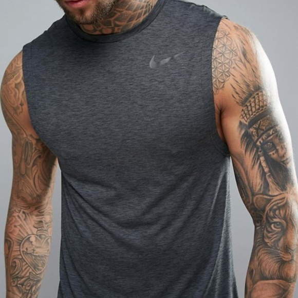 319b26e02 Nike Breathe Dri Fit Muscle tank top L or XL. M_5c720cfabaebf61ad56006c8